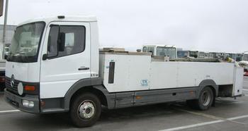 toilet-service-unit-schrader-e-2120-2-bj-2001-vo-re-b_[1]